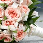 結婚式には欠かせない!ウェディングブーケの種類と選び方